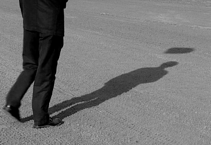 Pedinamenti abusivi, reato, Cassazione, sezione I Penale, 20/11/14 n° 48264